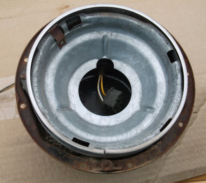 56-ihc-headlight-bucket-2